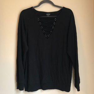 🖤 Long sleeve top with eyelet detail 🧿